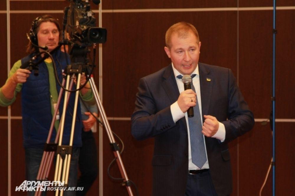 Адвокат Януковича Виктор Сердюк заявил, что представителями государства Украины умышленно был сорван допрос Виктора Януковича.  По мнению защиты, это была единственная возможность его перенести, «беркутовцев» даже не планировали транспортировать из СИЗО в суд.