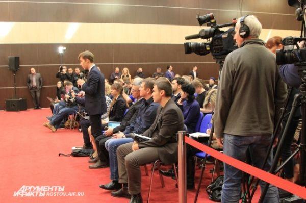 Украинские журналисты соревновались между собой: кто задаст самый циничный и оскорбительный вопрос своему бывшему президенту.