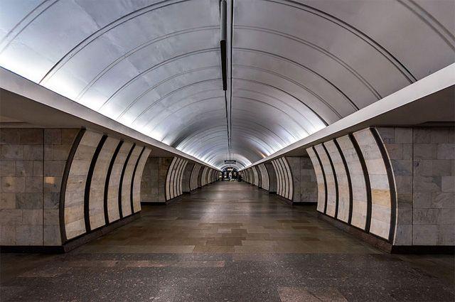 Станция метро «Проспект Большевиков» закрыта потехническим причинам