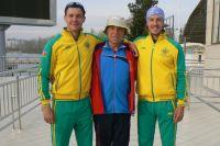 Тренер Павел Петров с сыновьями Виктором и Павлом.