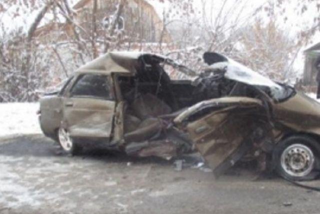 На улице Советской дорогу не поделили дорогу автомобили «Kia Ceed» и ВАЗ-2110.