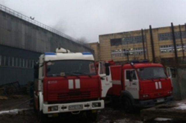 Вцентре Воронежа зажегся склад слакокрасочной продукцией