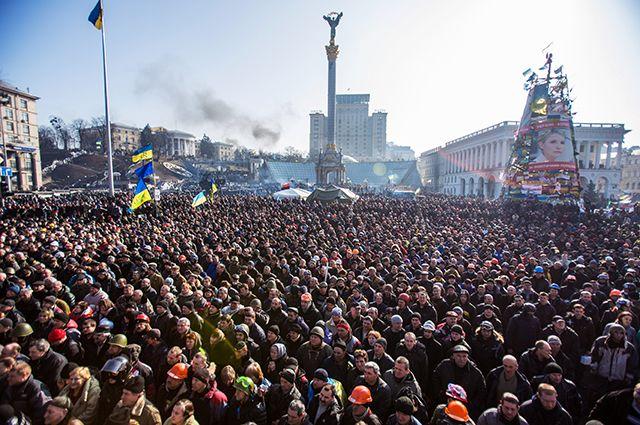 Майдан Независимости в Киеве, февраль 2014 года.