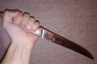 В Оренбургском районе пьяный мужчина ударил знакомого ножом в шею
