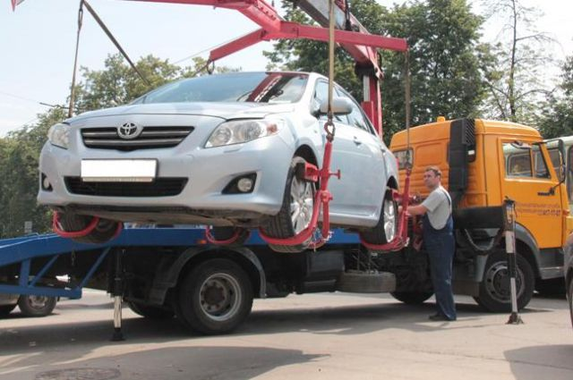Судебные приставы арестовали задолги машину умершего саратовца