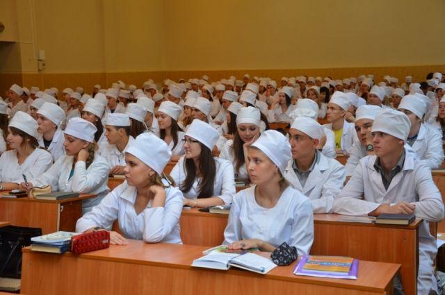Порошенко ветировал закон овоенной подготовке студентов-медиков