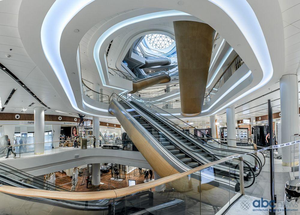 Эскалаторы вот-вот заработают. Выглядит это все очень современно и модерново