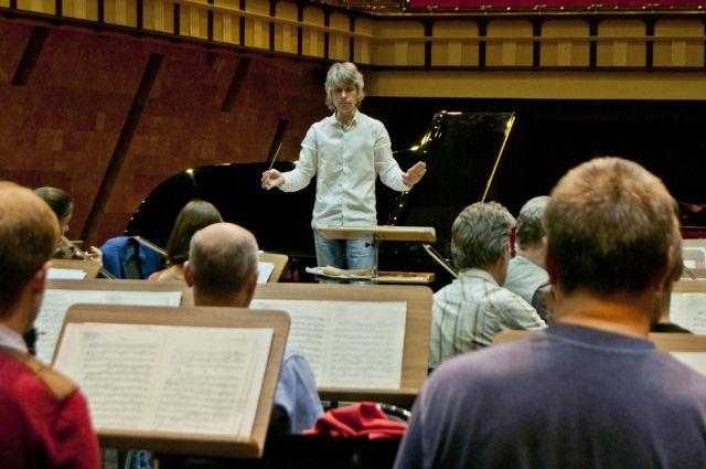 На гастроялях омские музыканты исполнят произведения П. Чайковского.