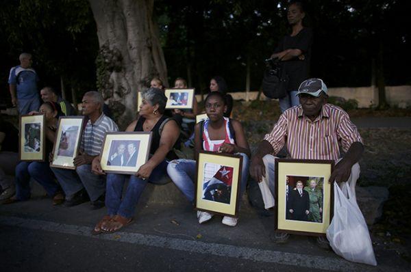 Прах Фиделя Кастро 30 ноября отправится из Гаваны в Сантьяго-де-Куба по маршруту так называемого Каравана свободы, но только в обратном направлении. Его провезут по 13 провинциям страны.