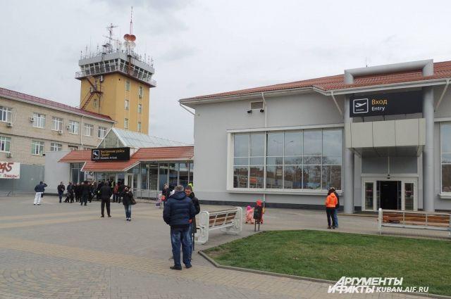 Сообщение обомбе ваэропорту Краснодара неподтвердилось