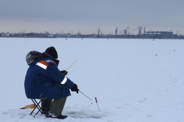 НаБелоярском водохранилище 2-х  рыбаков отыскали  мертвыми впалатке