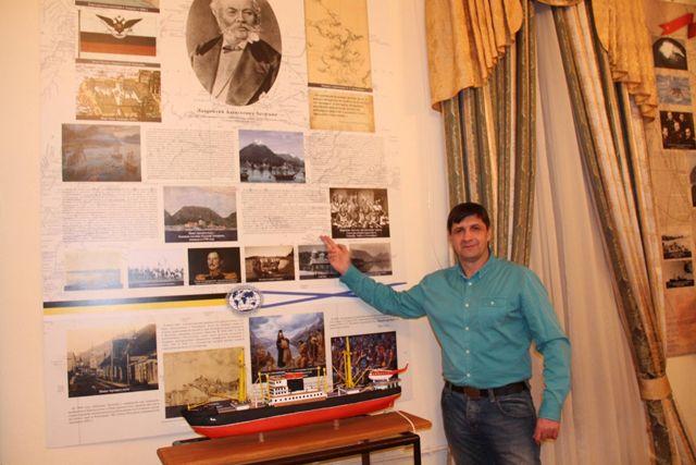Обзорную экскурсию по музею провел руководитель Пензенского регионального отделения РГО Игорь Пантюшов.