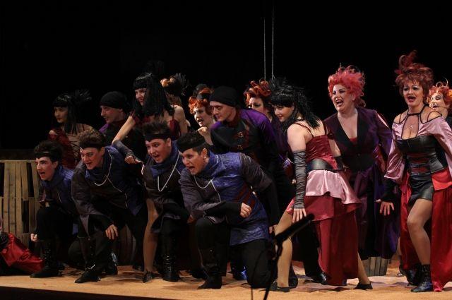 Премьера мюзикла «Алые паруса» состоялась в Барнауле
