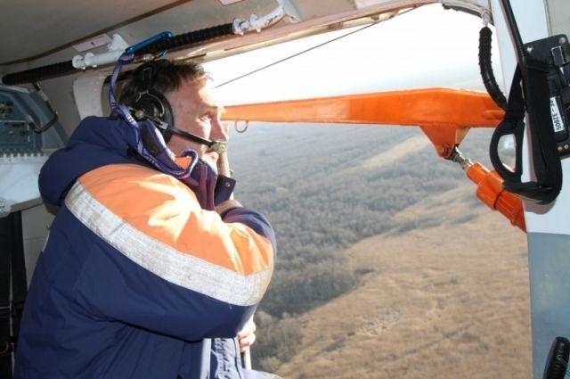 Спасатели продолжают поиски пропавших в Куршском заливе рыбаков.