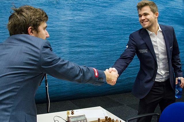 Норвежец Карлсен одержал победу в борьбе зазвание чемпиона мира пошахматам