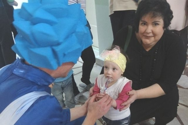 Благодаря профессионализму врачей и заботе мамы Лиза, родившаяся раньше срока, быстро догнала своих сверстников.