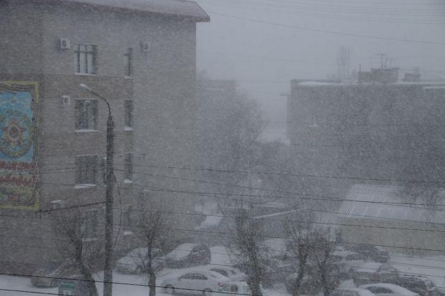 Всубботу вРостове предполагается сильный ветер, снег игололед