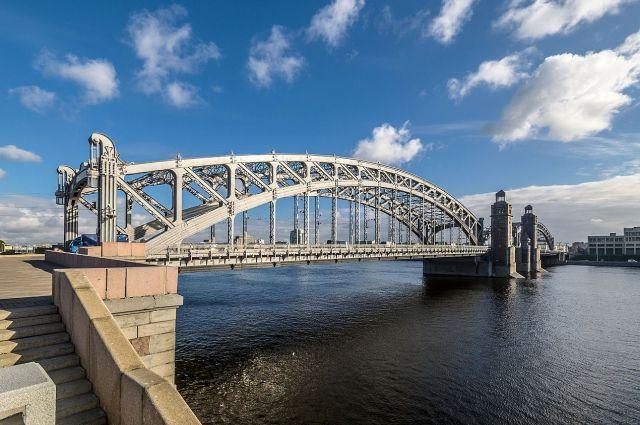 Сегодня ночью наНеве разведут Большеохтинский мост