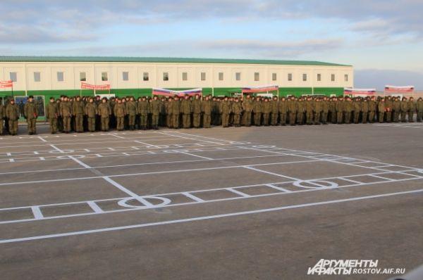 1 декабря началась учёба военнослужащих. Первое построение на плацу.
