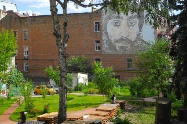 Суд вернул всобственность украинской столицы сквер Небесной Сотни