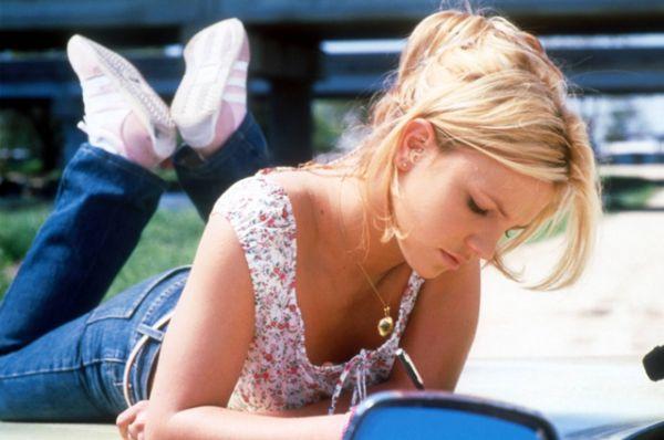 В ноябре 2001 года вышел третий альбом Спирс «Britney». Сразу же после выхода альбома Спирс отправилась в тур Dream Within a Dream Tour, по окончании которого объявила, что хочет взять 6-месячный перерыв в карьере в связи со смертью бабушки и разводом родителей.