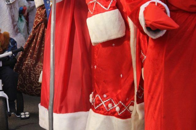 Барнаулец рассказал, что украл деньги, чтобы купить костюм Деда Мороза