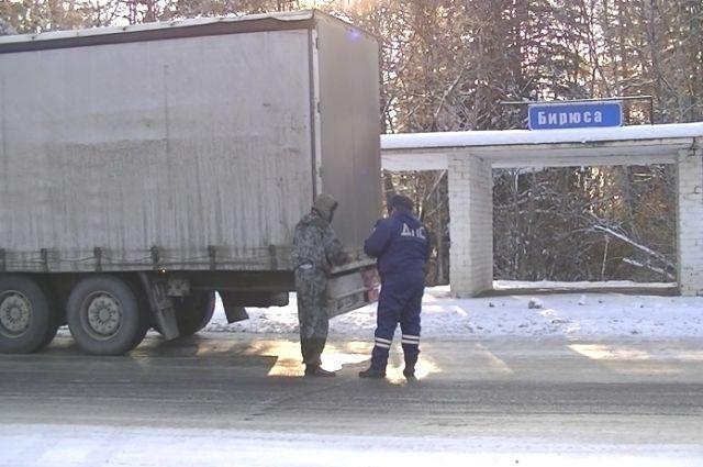 Водители не замечали, когда преступники совершали кражи.