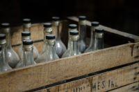 Проверяющими изъято 14 бутылок и 550 флаконов.