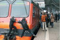 «Цепляя» поезд, подростки гонятся за острыми ощущениями и лайками, игнорируя угрозу смерти.