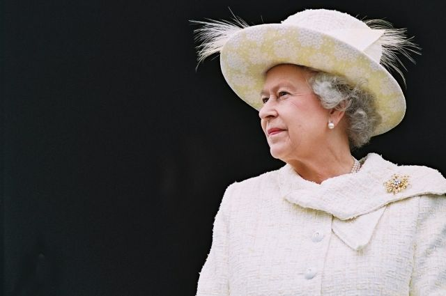 Королева Англии ответила написьмо воспитанников Бердянской школы