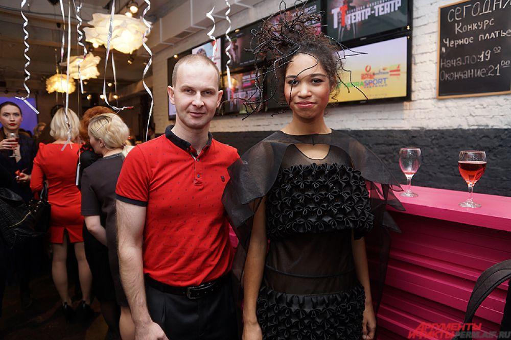 Знаменитый пермский слесарь-модельер Игорь Касев создал удивительное чёрное платье.