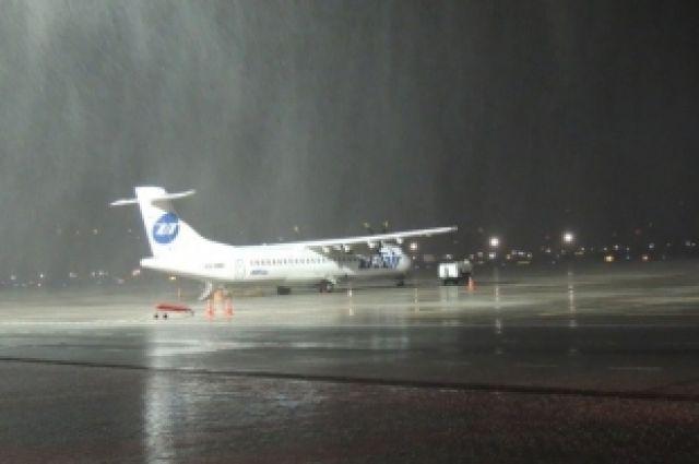 Всвязи с необычайным ветром нарушена работа аэропорта «Адлер» вСочи