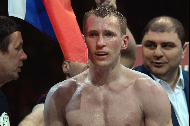Русский боксер Трояновский лишился чемпионских поясов за40 секунд