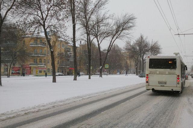 Уборка снега вСамаре ведется вкруглосуточном режиме