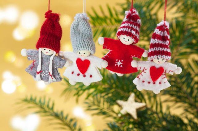 Самодельные елочные игрушки порадуют вас и ваших близких на Новый год.