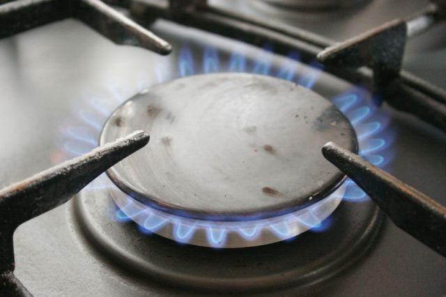 Трое взрослых идевочка-подросток отравились газом вНижнем Новгороде