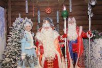 Дед Мороз из Великого Устюга уже поздравил барнаульских ребятишек.