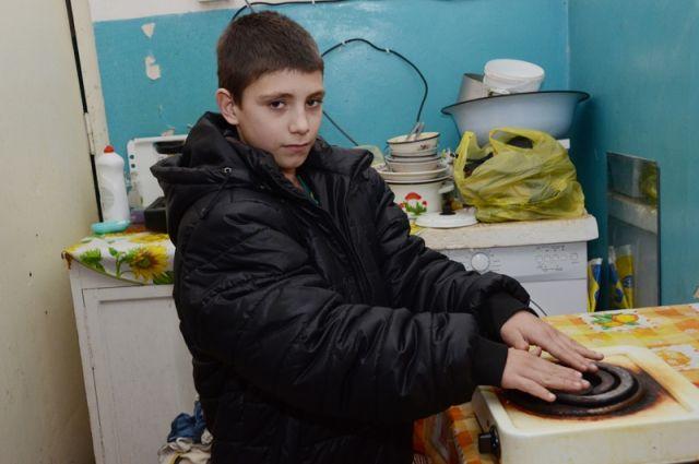 Жители Акбулака согревались, как могли в ноябрьские морозы.