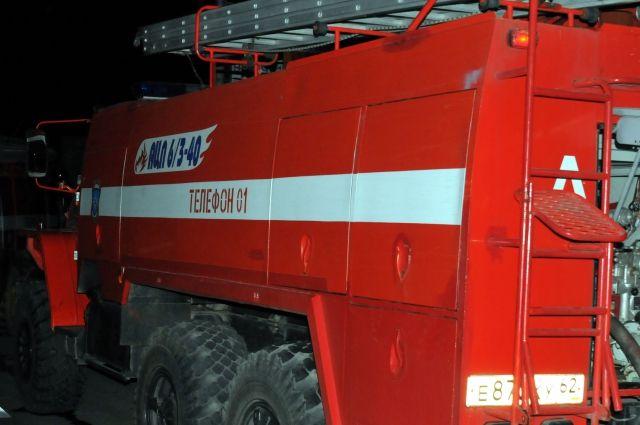 Для ликвидации последствий пожара привлекались десять человек и три  единицы техники.