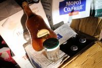 Для маркировки алкогольной продукции подельники использовали поддельные федеральные специальные марки.