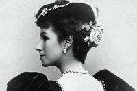 Отношения Матильды Кшесинской с цесаревичем прекратились после его помолвки с Алисой Гессенской в апреле 1894 года.