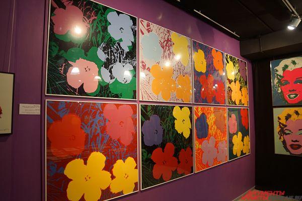 Энди Уорхол «Цветы».