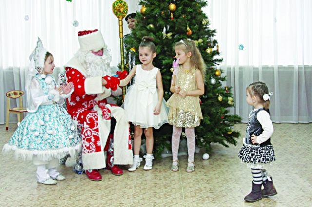 Участников Дня рождения Деда Мороза ждут сюрпризы.
