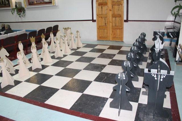 Шахматы очень популярны в учреждении.