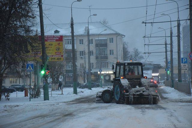 В минувшие сутки на уборке снега трудилис 148 человек.
