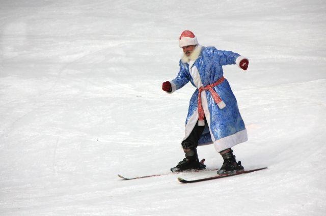 Главное условие заезда - лыжи и костюм волшебника.