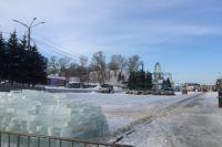 Площадь Сахарова готовят к новогодним праздникам