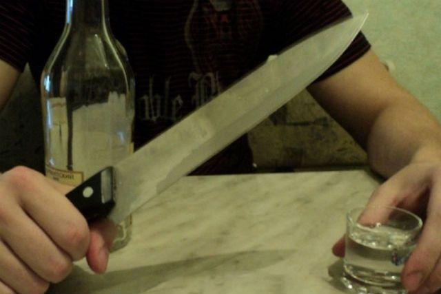 Несовершеннолетний нанес жертве более 25 ударов ножом.