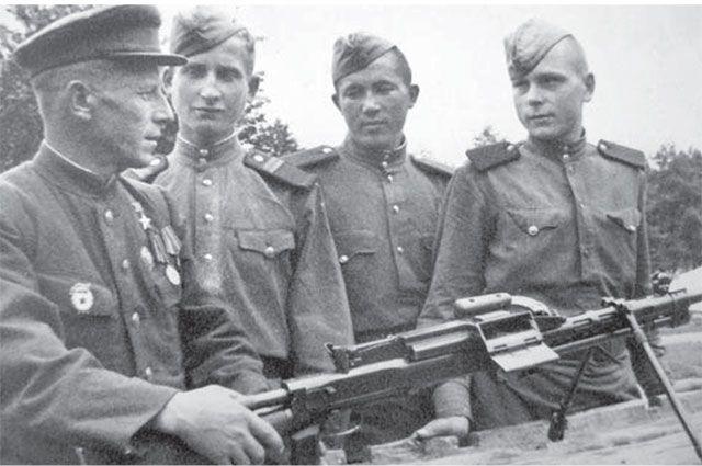 Все участники того боя получили звание Героев Советского Союза.
