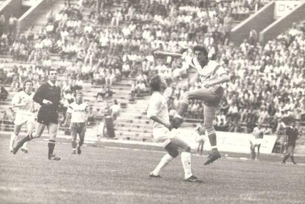 Юрий Гудименко в атаке. 1990-е.